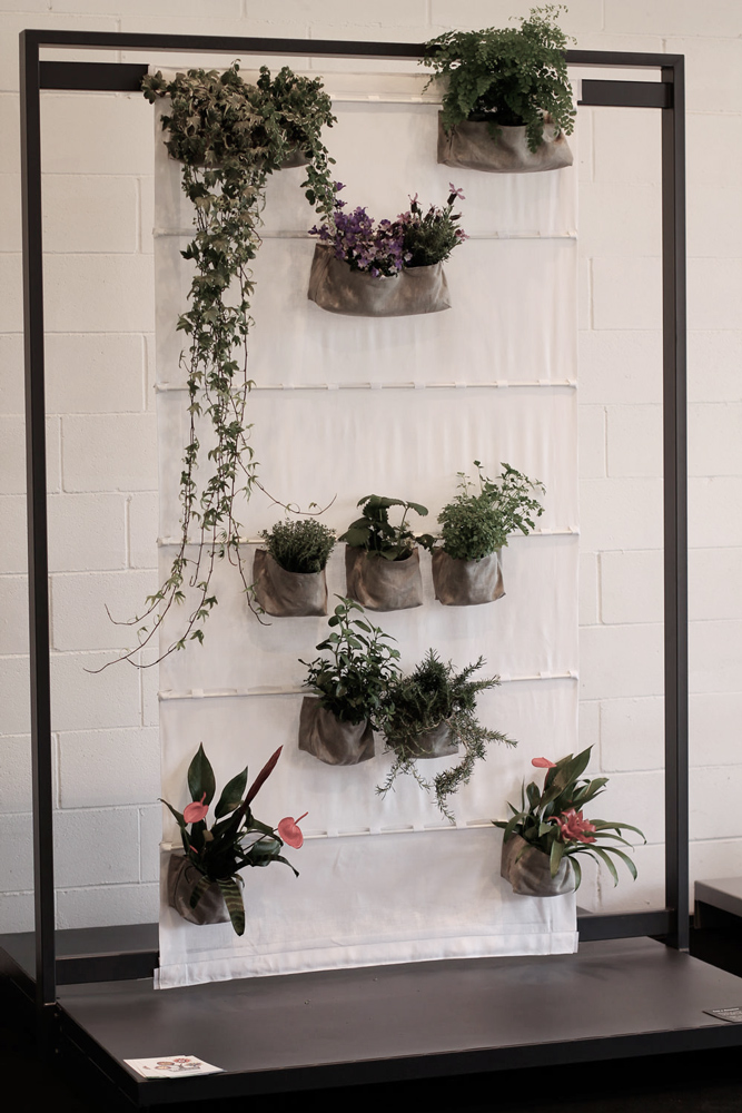 Porta piante da interno hobby e casa febbraio vedi anche - Porta piante ikea ...