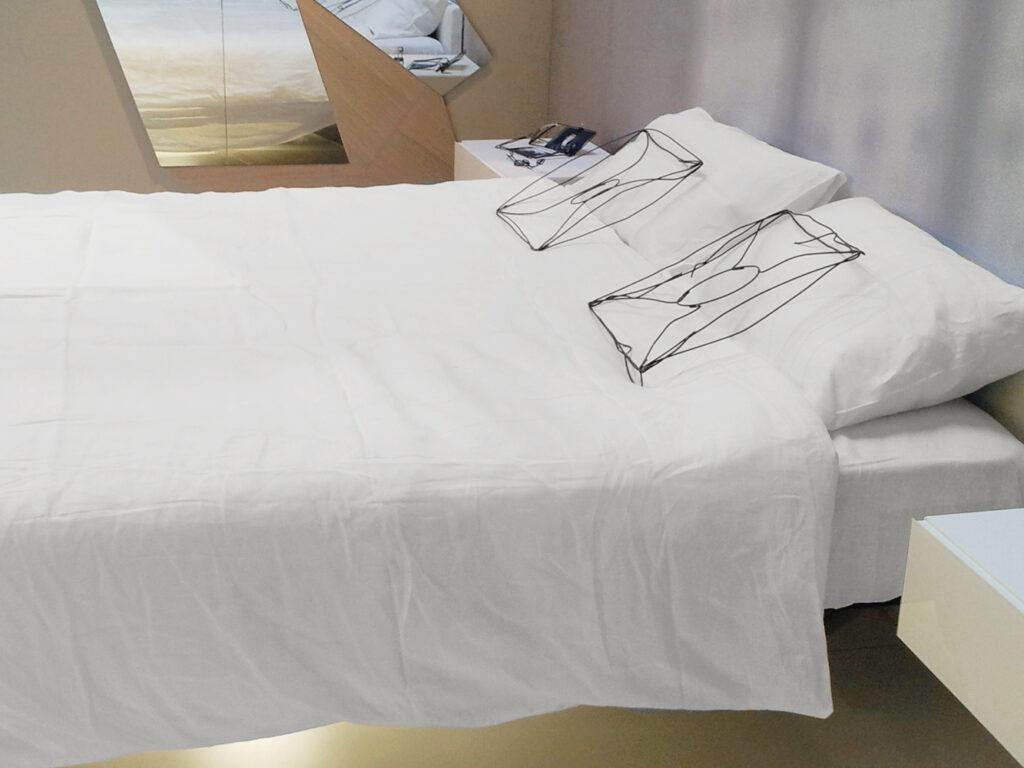 Lenzuola Di Puro Lino.Set Lenzuola Puro Lino Per Lago Al Salone Internazionale Del Mobile
